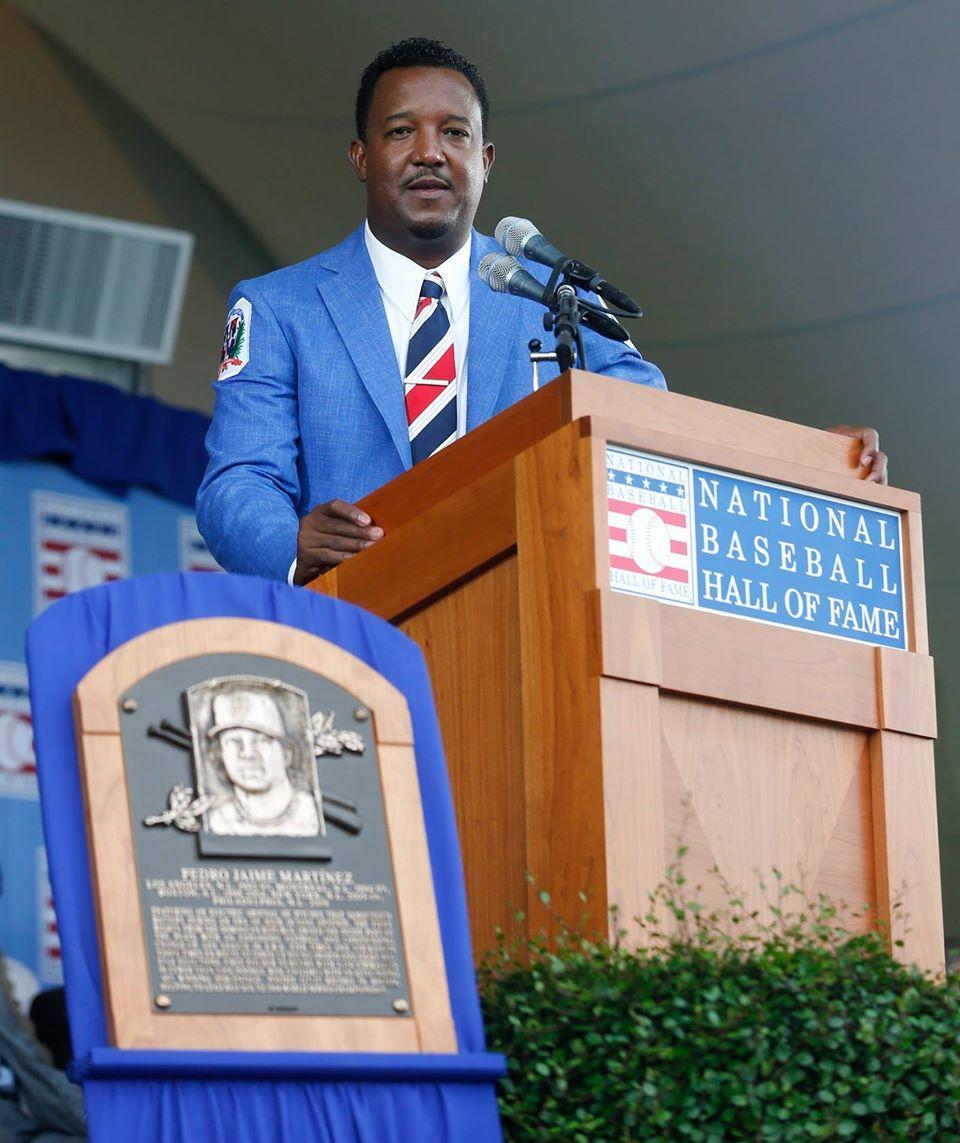 Pedro Martínez exaltado al Salón de la Fama del Beisbol en los Estados Unidos de América.
